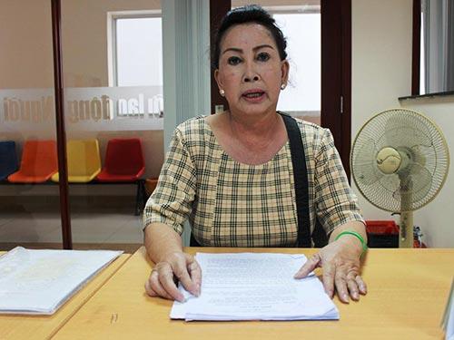 Bà Nguyễn Thị Hoàng Trâm, đại diện ủy quyền của bà Nguyễn Ngọc Hoàng Hải, trình bày bức xúc với Báo Người Lao Động