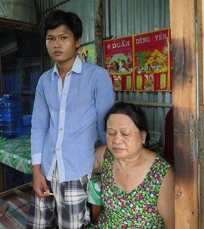 Tô Phương Trọng và mẹ đang ngóng chờ bản án phúc thẩm