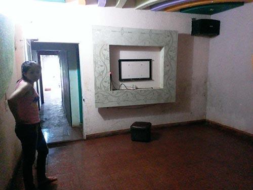 Hiện trường phòng karaoke bị ông Dũng đập bể màn hình tivi