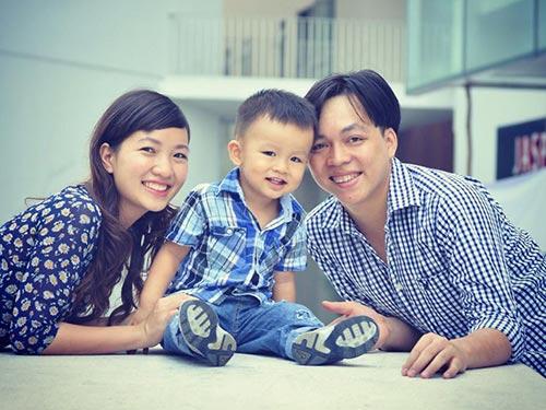 Vợ chồng nên bàn bạc, thống nhất trong việc biếu xén gia đình hai bên Ảnh: LOAN HUỲNH
