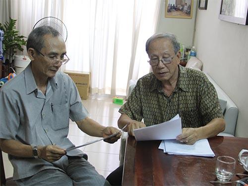 Một số người dân bức xúc trước việc Ban Quản trị chung cư lô M  Bàu Cát 2 (quận Tân Bình, TP HCM) tăng phí dịch vụ