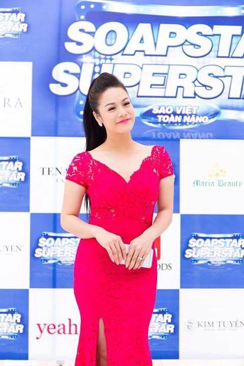 Nhật Kim Anh bất ngờ đi thi hát
