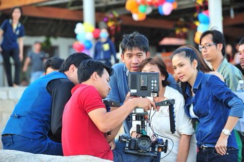 Việt Trinh trên phim trường của Huyền thoại tím