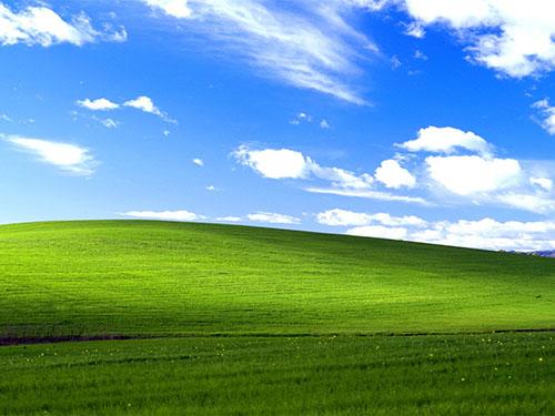 Bliss - hình nền đặc trưng của Windows X...