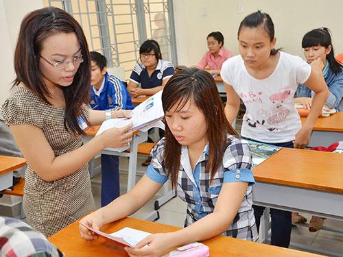 Sinh viên dự thi vào Trường ĐH Sài Gòn Ảnh: Tấn Thạnh