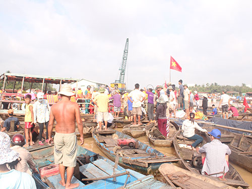 Người dân làng cá bè Tân Mai không chịu di dời vì tiền hỗ trợ quá thấp