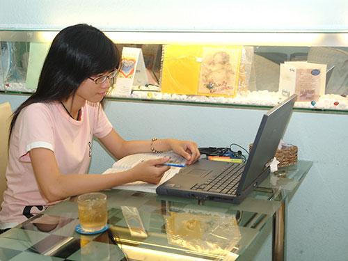 Nên cẩn trọng khi mua hàng hóa trên các trang mạng tại Việt Nam vì còn tiềm ẩn nhiều nguy cơ lừa đảo