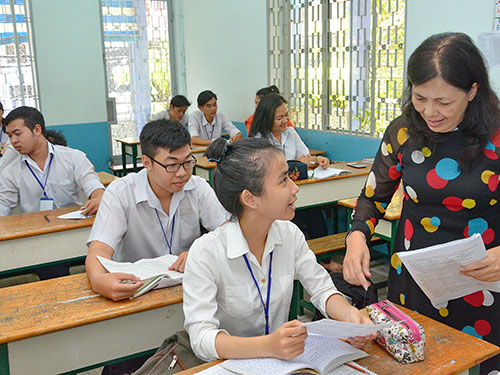 Học sinh Trung tâm Giáo dục thường xuyên quận 10, TP HCM trong giờ học Ảnh: TẤN THẠNH
