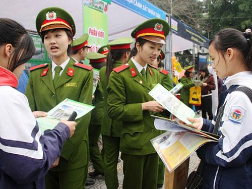 Các trường khối công an tư vấn tuyển sinh tại TP Hà Nội