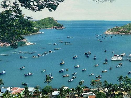 Vĩnh Hy là 1 trong 5 vịnh biển đẹp nhất Việt Nam, hiện đang bị du khách tẩy chay vì ô nhiễm
