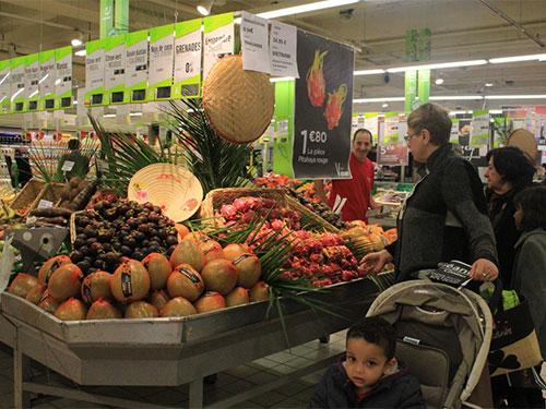 Nhiều trái cây của Việt Nam có mặt trong các siêu thị tại PhápẢnh: Thùy DƯƠNG
