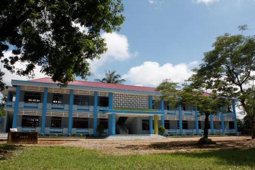 Khu lớp học mới khang trang của thầy cô và các em học sinh xã Vĩnh Thành sau khi được ACE Life tài trợ xây dựng