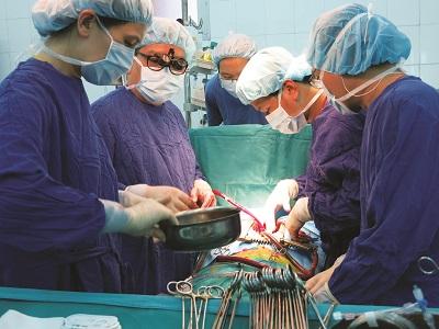 Một ca pẫu thuật ghép tạng tại Bệnh viện Việt Đức