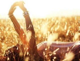 Cuộc sống là của mình, do mình quyết định, chẳng cần phải sống nương theo lẽ thường.