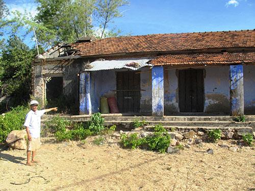 Kho thuốc độc bỏ hoang đang gây ô nhiễm nặng ở thôn Ngọc Phong