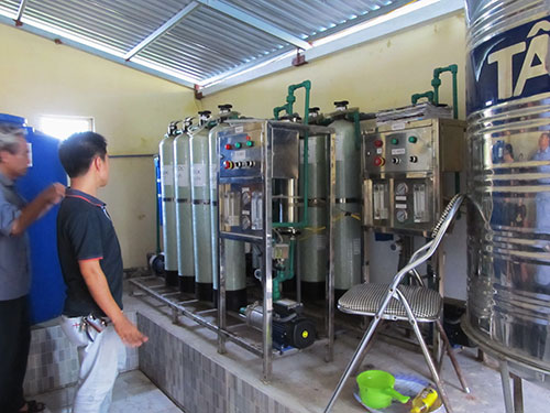 Hệ thống xử lý RO cung cấp nước uống cho người dân xã Nam Cường
