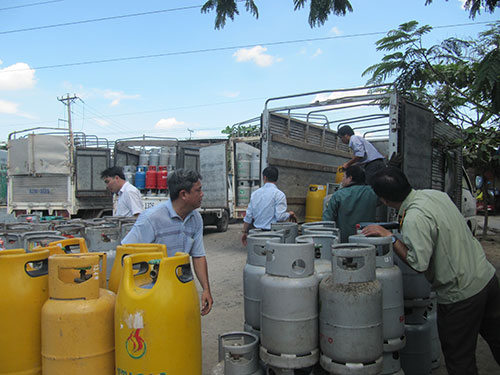 Cơ quan chức năng kiểm kê vỏ bình gas tại chi nhánh Minh Phúc