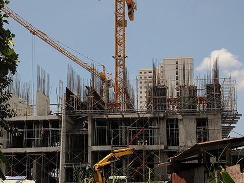 Một chung cư đang được xây dựng tại quận 2, TP HCM Ảnh: HỒNG THÚY