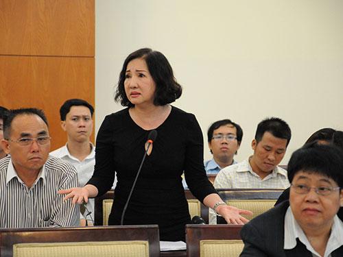 Bà Nguyễn Thị Như Loan, Chủ tịch HĐQT Công ty Quốc Cường Gia Lai, nói về sự nhiêu khê khi làm thủ tục thực hiện dự án bất động sản Ảnh: HỒNG THÚY