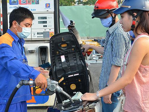 Giá xăng dầu đã tăng 5 lần từ đầu năm đến nayẢnh: Tấn Thạnh