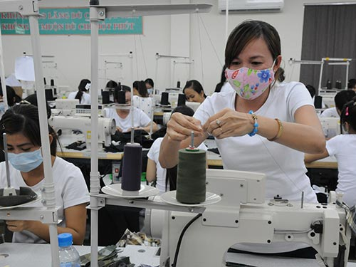 Ngay đầu năm, nhiều doanh nghiệp dệt may liên tục nhận được đơn hàng xuất khẩu mới Ảnh: Hồng Thúy