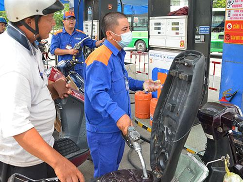 Nếu thực hiện nghiêm túc Nghị định 83 thì trong tương lai thị trường xăng dầu Việt Nam sẽ có cạnh tranh Ảnh: TẤN THẠNH