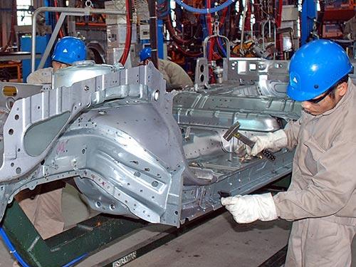 Công nghiệp phụ trợ phục vụ ngành công nghiệp ô tô của Việt Nam hiện rất yếu, dù đã 20 năm xây dựng và phát triển theo quy hoạch Ảnh: TẤN THẠNH