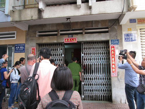 Công ty TNHH Dịch vụ Thương mại Cửu Hương tiếp đoàn kiểm tra sáng 16-9 Ảnh: NGỌC ÁNH