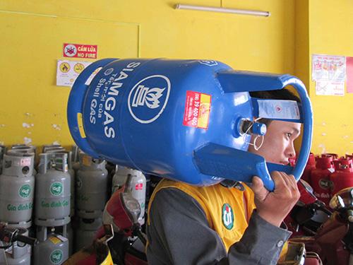 Dù đang gặp vướng mắc trong việc đáp ứng các điều kiện về kinh doanh gas nhưng chủ đầu tư thương hiệu Siamgas (Shell gas) vẫn cam kết đầu tư dài hạn tại Việt Nam