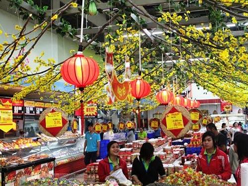 Khách hàng mua sắm tại các siêu thị ở Hà Nội đã bắt đầu tăng Ảnh: PHƯƠNG NHUNG