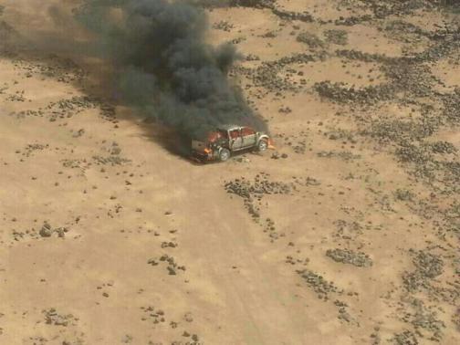 Một chiếc xe từ Syria bị máy bay Jordan tiêu diệt. Ảnh: Reuters