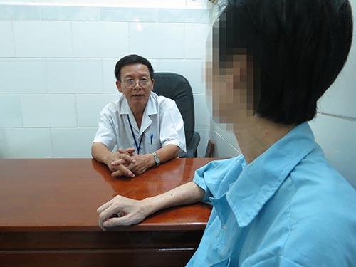 Tư vấn cho một bệnh nhân tại BV Tâm thần TP HCM