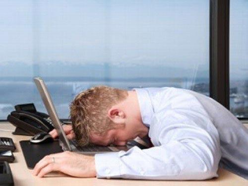 Làm việc theo ca luân phiên có thể gây ảnh hưởng xấu đến sức khỏe Ảnh: IBTIMES