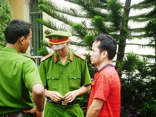 Ông Nguyễn Đình Vĩnh Tường trong lần ra hầu tòa vào ngày 7-11-2012