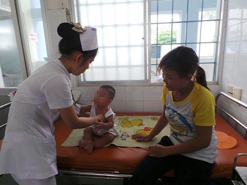 Trẻ mắc bệnh sởi đang điều trị tại Bệnh viện Nhi Đồng 1 - TP HCM