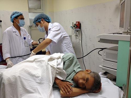 Một ca nội soi tiêu hóa tại Bệnh viện E trung ương (Hà Nội)Ảnh: NGỌC DUNG