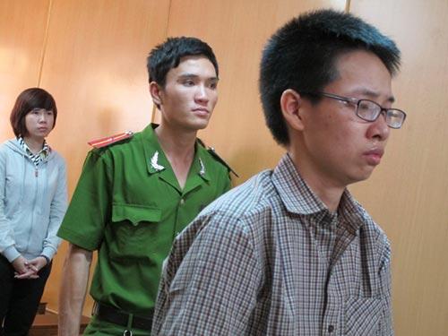 Bị cáo Hồ Thị Bích Phượng nghe tòa tuyên án tử hình