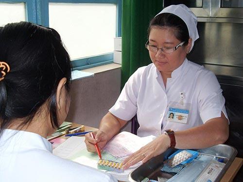Tư vấn sử dụng thuốc tránh thai tại Bệnh viện Từ Dũ