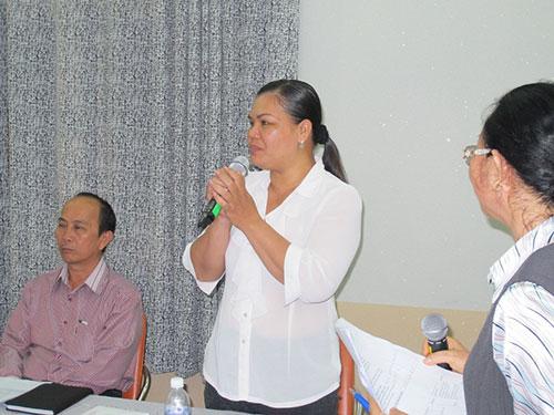 Chị Dương Hồng Mai cảm ơn Quỹ HN và PTCĐ đã hỗ trợ xe bánh mì, giúp chị tái hòa nhập cộng đồng