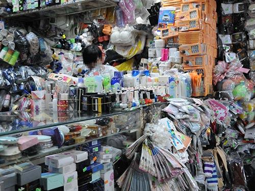 Một cửa hàng bán mỹ phẩm tại TP HCMẢnh: HỒNG THÚY