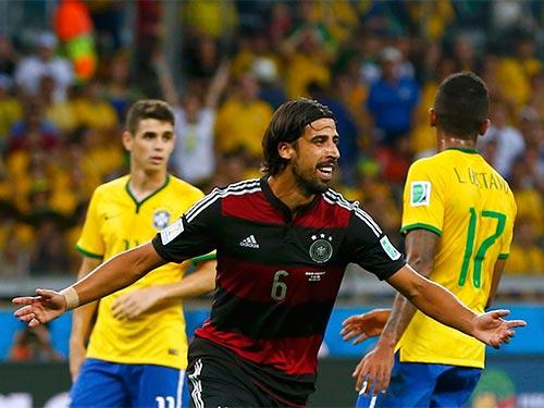 Khedira (6) tỏa sáng trong trận Đức đại thắng Brazil với 1 bàn và 2 đường chuyền thành bàn Ảnh: REUTERS