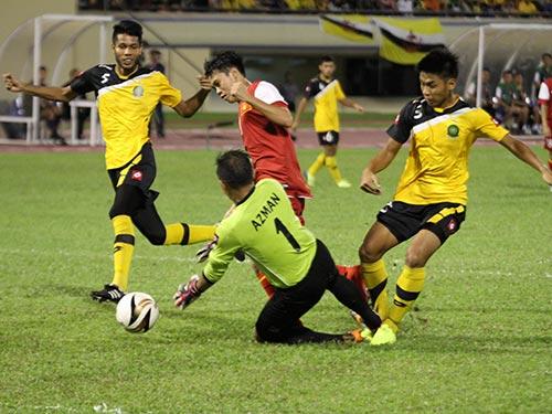 Văn Toàn bỏ lỡ hơn một nửa số cơ hội U19 tạo ra ở trận hòa Brunei 2-2