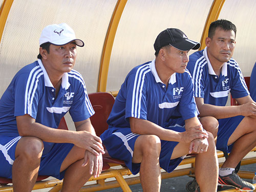 Kết quả ngày đầu: Huế - Hà Nội T&T 0-1, Bình Định - PVF 1-3. Ngày 17-7, SHB Đà Nẵng gặp Sanna Khánh Hòa, Bình Dương gặp Viettel.