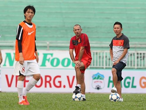 HLV Graechen khẳng định các tài năng trẻ cả nước vẫn còn cơ hội gia nhập U19 Việt NamẢnh: QUANG LIÊM
