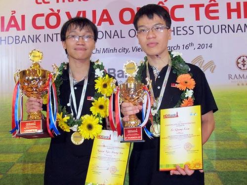 Trường Sơn (trái) và Quang Liêm tại Giải HDBank 2014 Ảnh: ĐÀO TÙNG