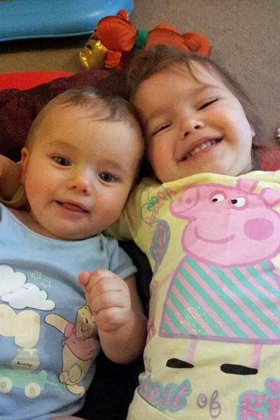 Kian Musgrove và chị gái