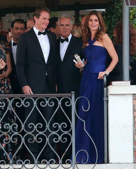 """Đám cưới """"hoành tráng"""" của George Clooney"""