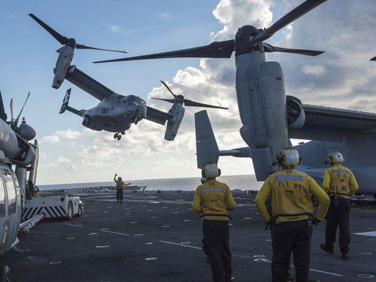 Chiếc trực thăng MV-22 Osprey đã quay về tàu sân bay và hạ cánh an toàn. Ảnh: US Navy