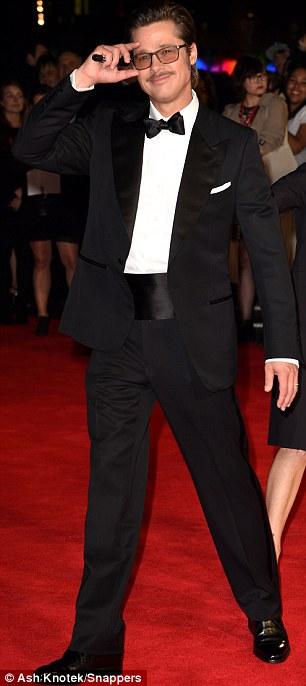 Brad Pitt bảnh bao quảng bá phim mới