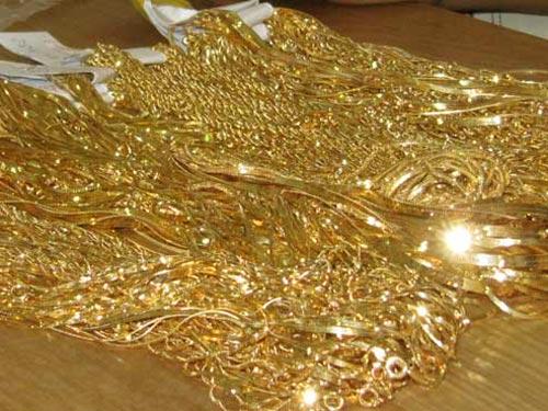 Vàng thế giới mất hơn 770.000 đồng/lượng trong khi vàng trong nước chỉ giảm trên 100.000 đồng